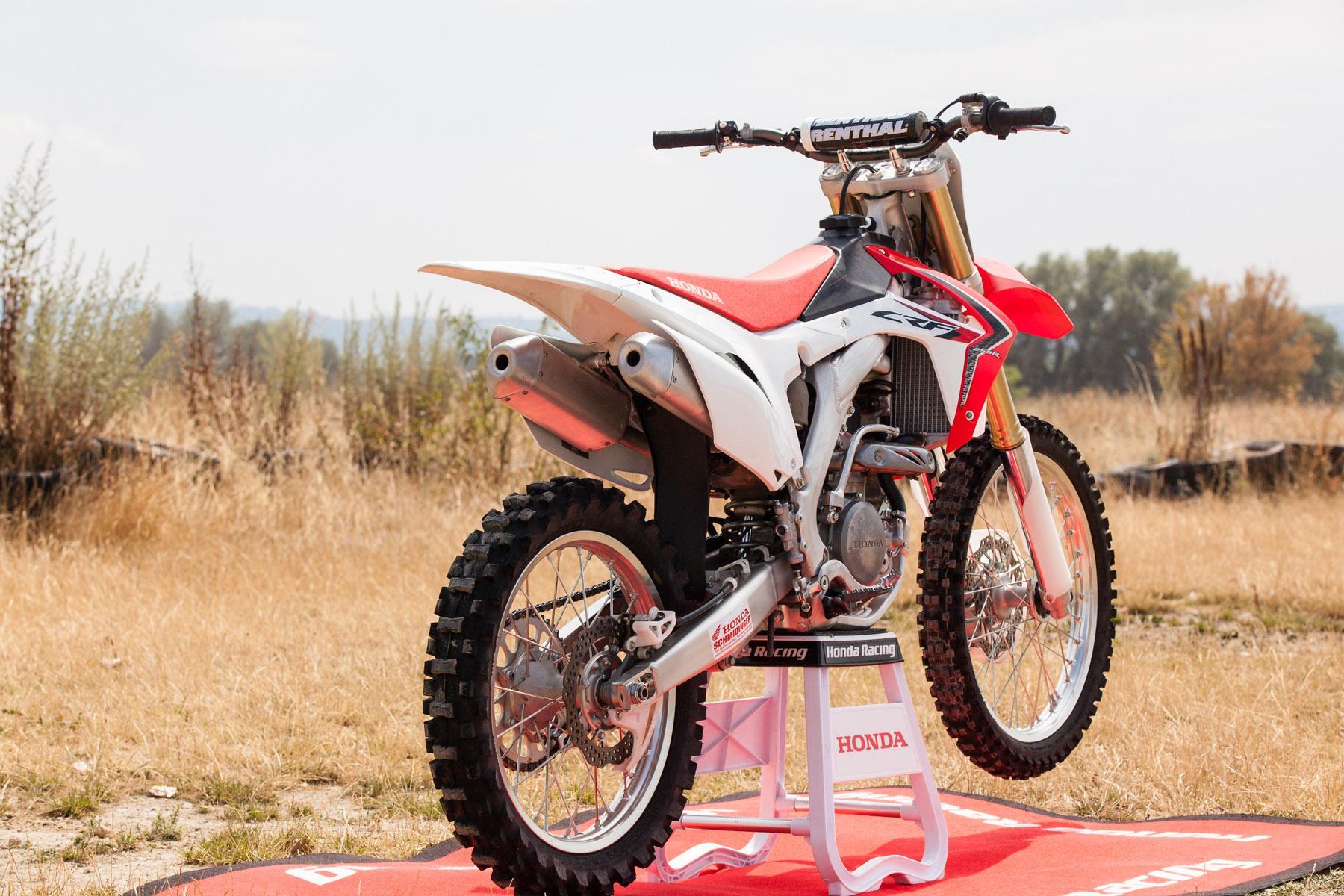 http://www.motorrad-bilder.at/slideshows/291/009959/honda_CRF205R_2013-12.jpg