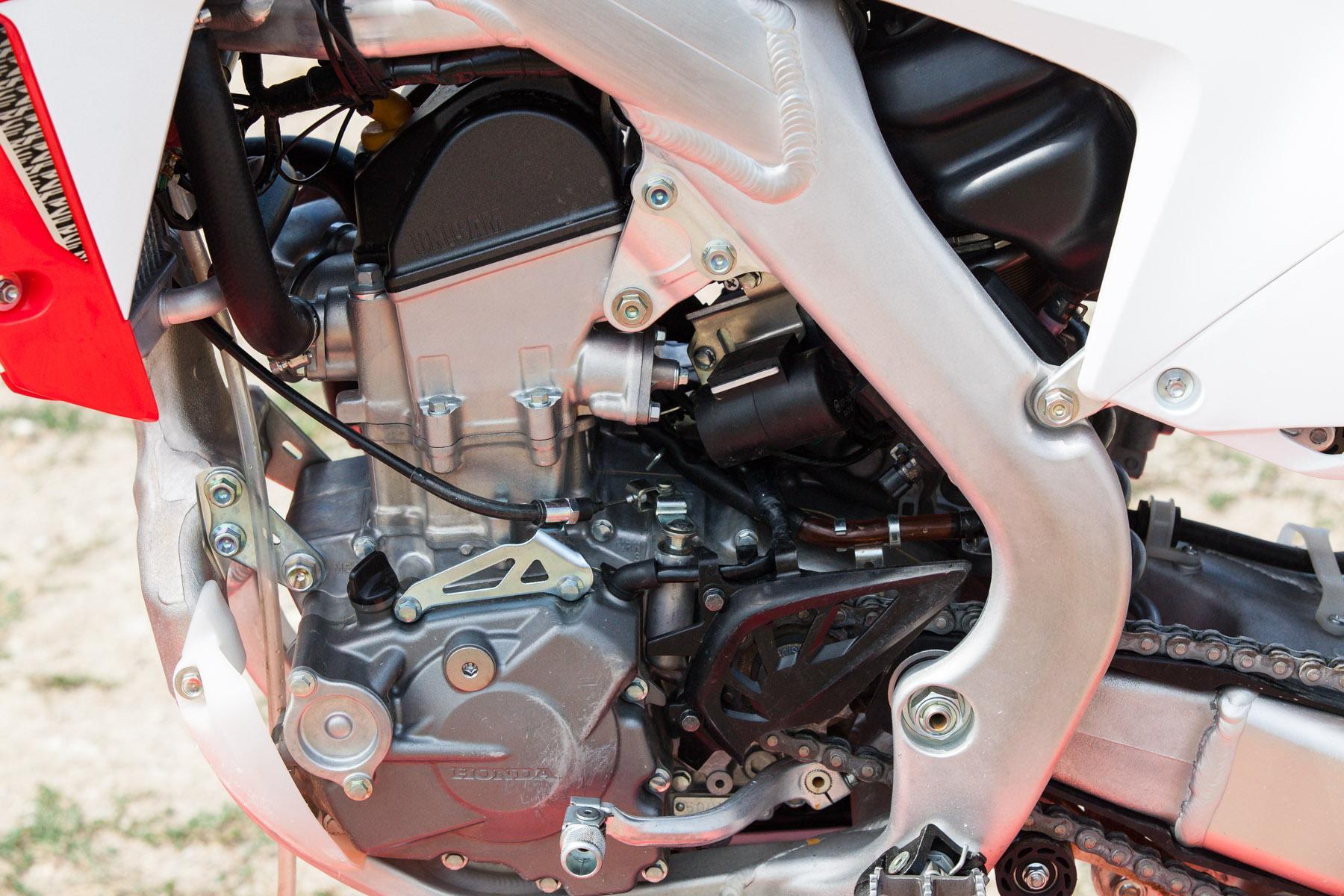 http://www.motorrad-bilder.at/slideshows/291/009959/honda_CRF205R_2013-26.jpg
