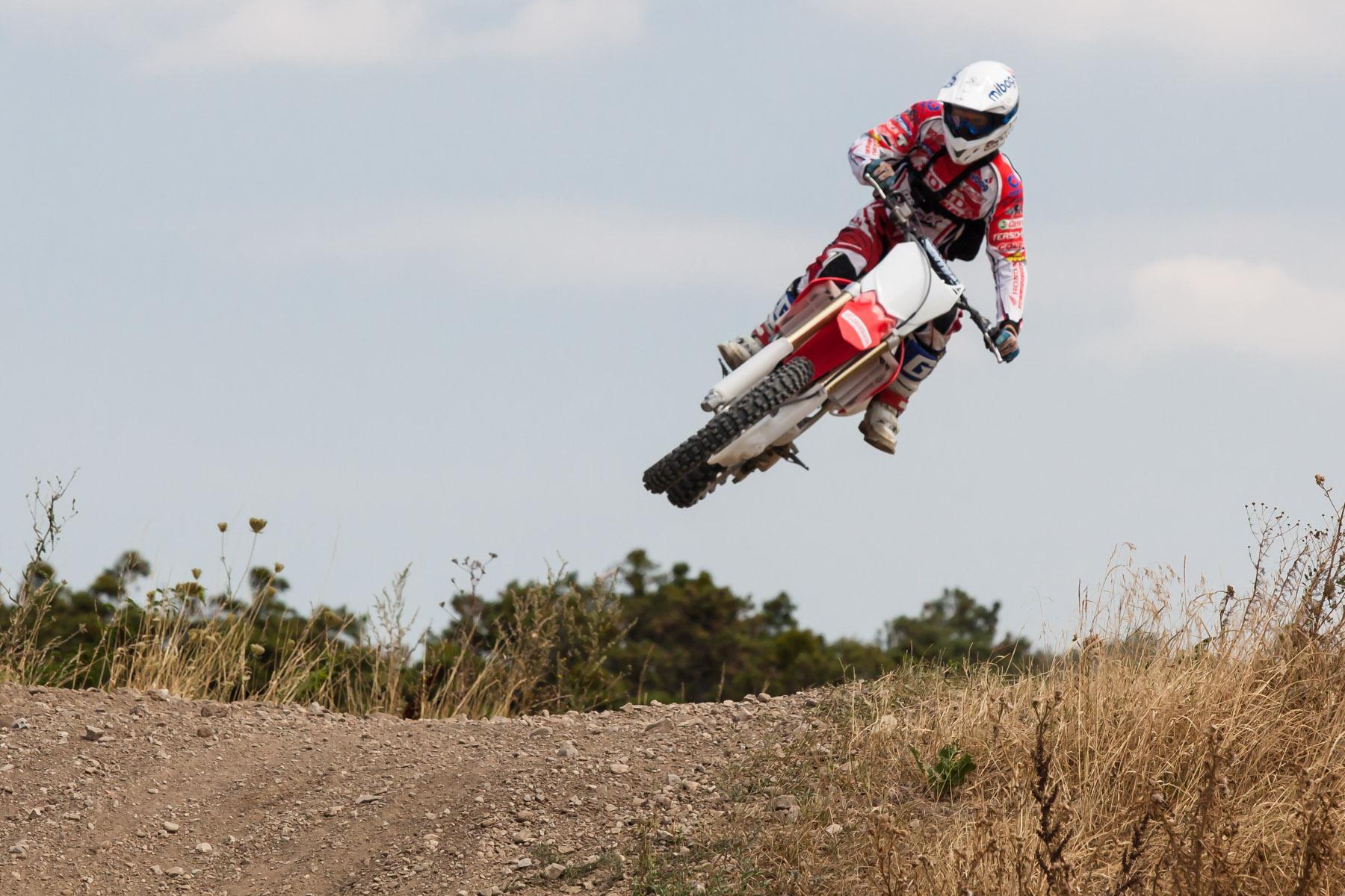 http://www.motorrad-bilder.at/slideshows/291/009959/honda_CRF205R_2013-72.jpg