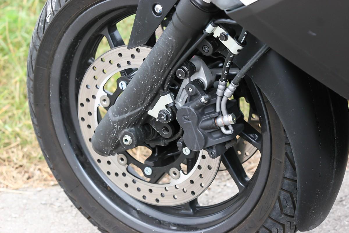 http://www.motorrad-bilder.at/slideshows/291/009996/yamaha_x_max_400_18.jpg