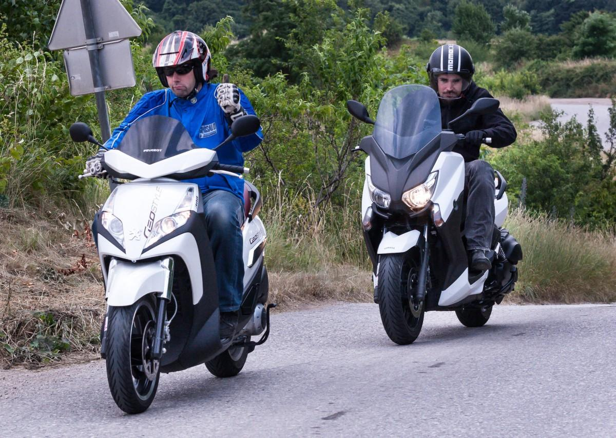 http://www.motorrad-bilder.at/slideshows/291/009996/yamaha_x_max_400_22.jpg