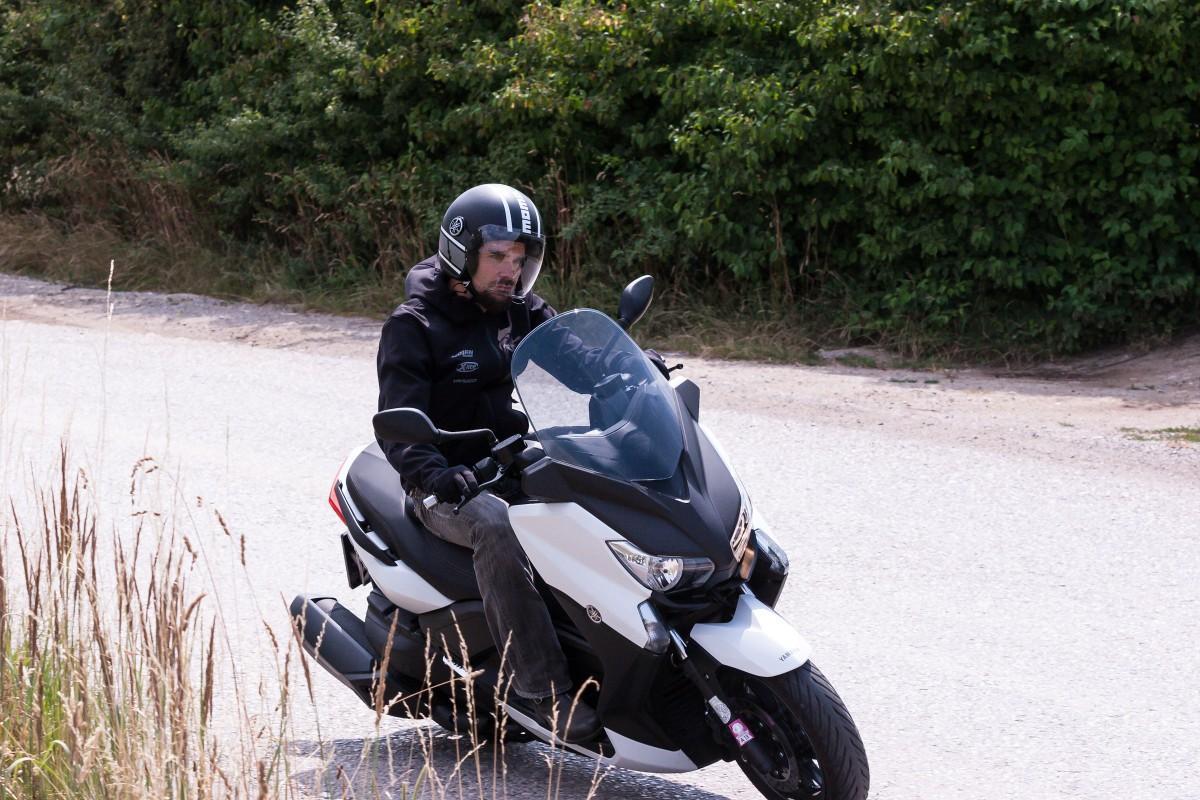 http://www.motorrad-bilder.at/slideshows/291/009996/yamaha_x_max_400_23.jpg