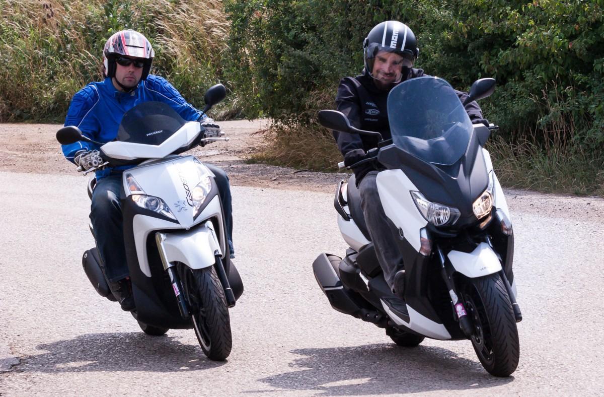 http://www.motorrad-bilder.at/slideshows/291/009996/yamaha_x_max_400_27.jpg