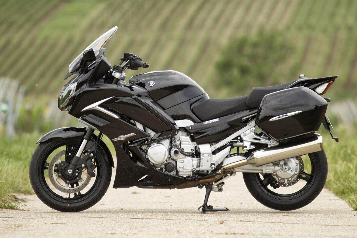 http://www.motorrad-bilder.at/slideshows/291/010021/yamaha-fjr-1300-as-29.jpg