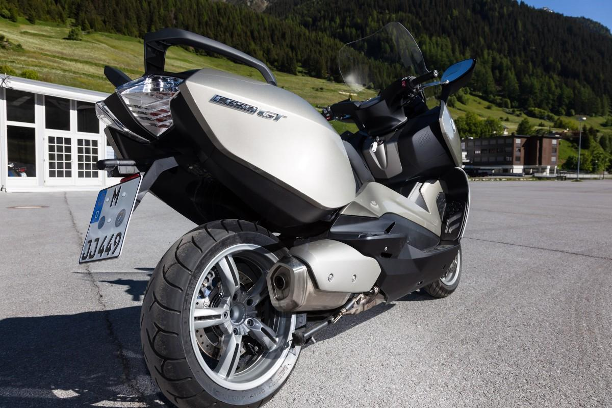 http://www.motorrad-bilder.at/slideshows/291/010081/bmw_c650gt10.jpg