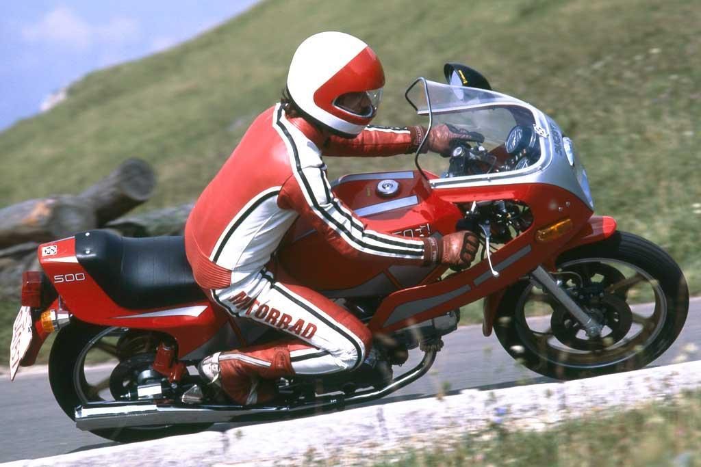 http://www.motorrad-bilder.at/slideshows/291/010142/Ducati-500SL-Pantah5.jpg