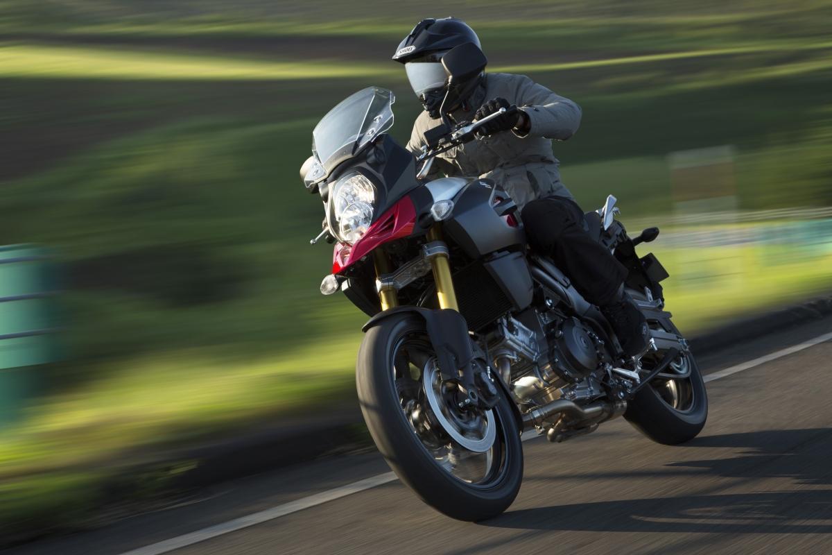 http://www.motorrad-bilder.at/slideshows/291/010157/suzuki-vstrom-1000-fahrfotos-1-7.jpg