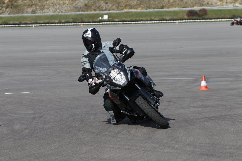 http://www.motorrad-bilder.at/slideshows/291/010174/ktm-adventure-1190-84.jpg