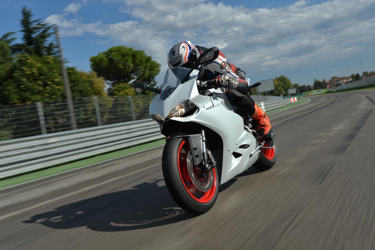 Ducati 899 Panigale Test
