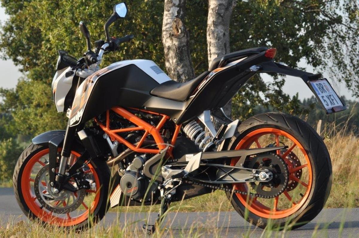http://www.motorrad-bilder.at/slideshows/291/010280/ktm_390_duke20.jpg