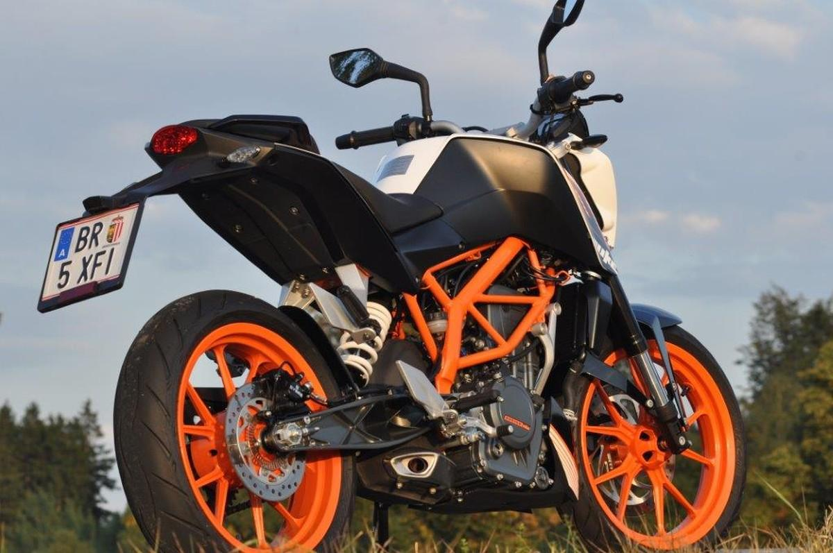 http://www.motorrad-bilder.at/slideshows/291/010280/ktm_390_duke6.jpg