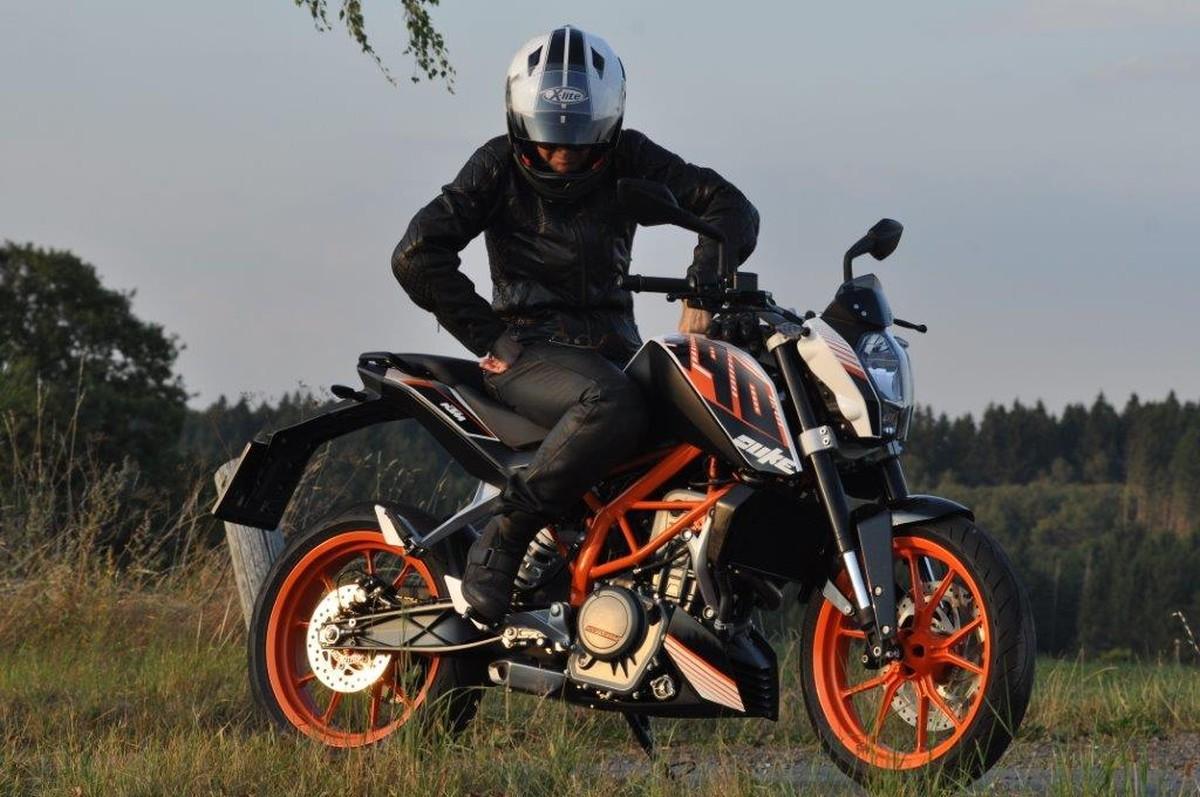 http://www.motorrad-bilder.at/slideshows/291/010280/ktm_390_duke9.jpg