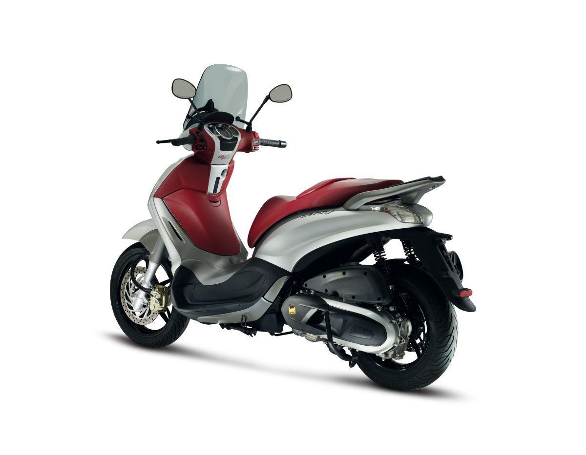 piaggio beverly sport touring eicma 2013 motorrad fotos motorrad bilder. Black Bedroom Furniture Sets. Home Design Ideas
