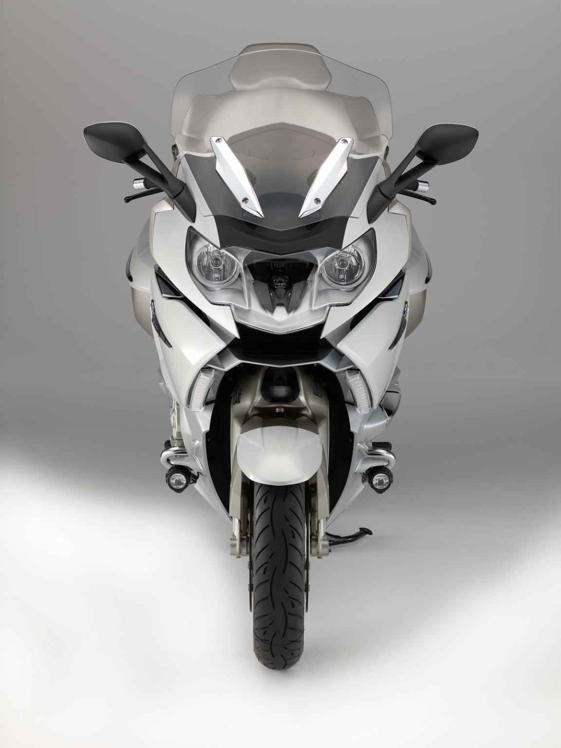 http://www.motorrad-bilder.at/slideshows/291/010492/14-P90139427-highRes.jpg