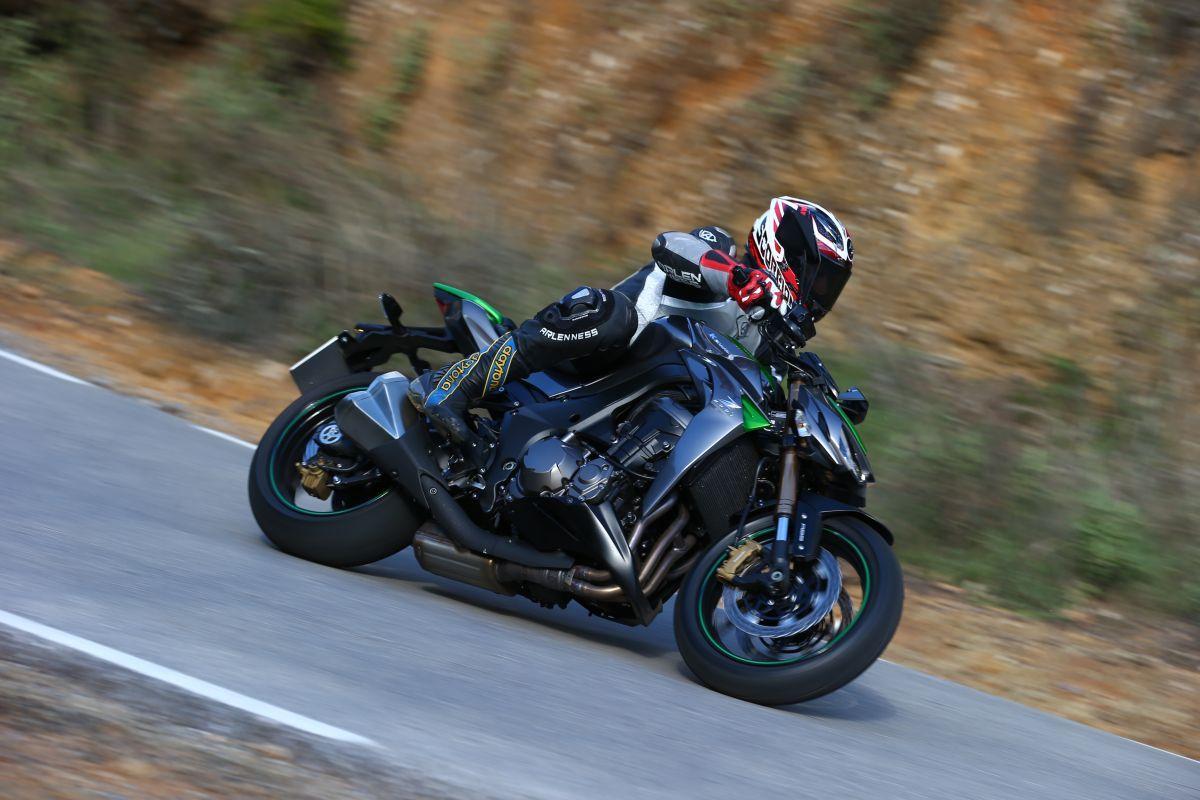 Kawasaki Z1000 2014 in Action Seite
