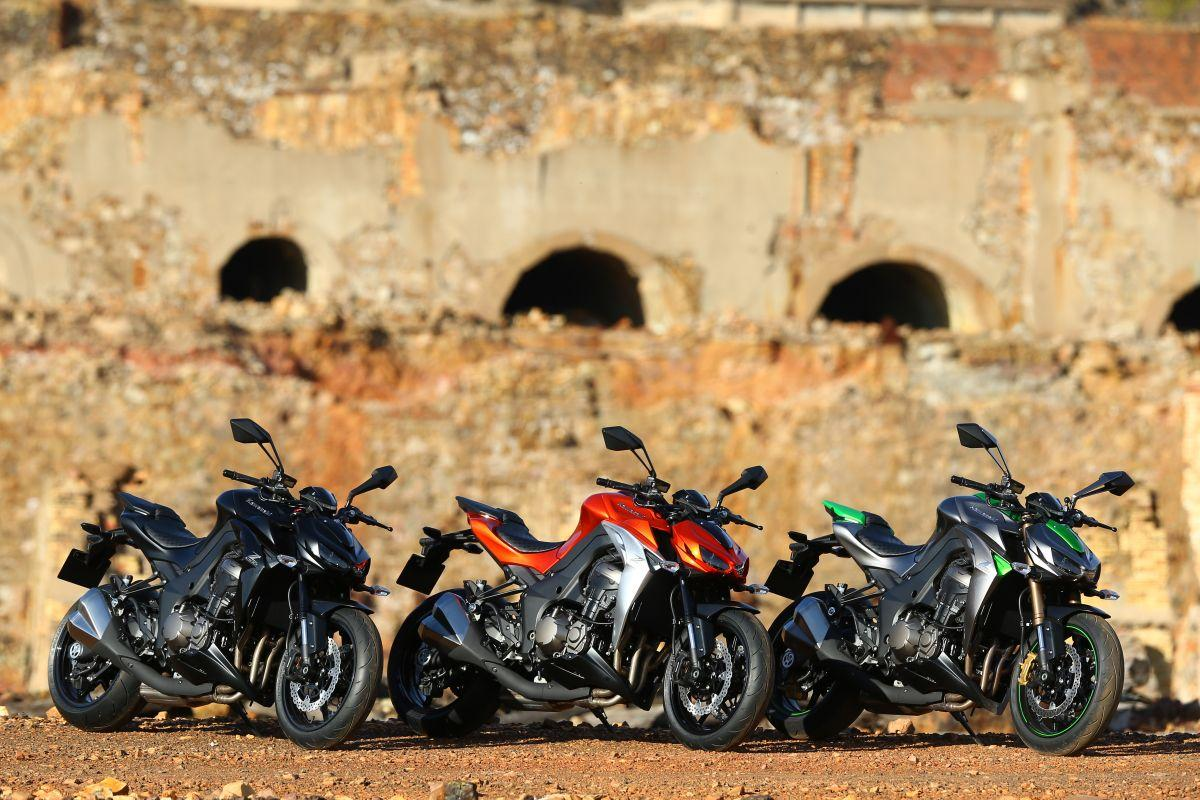 http://www.motorrad-bilder.at/slideshows/291/010498/kawasaki_z1000_2014_statisch_18.jpg