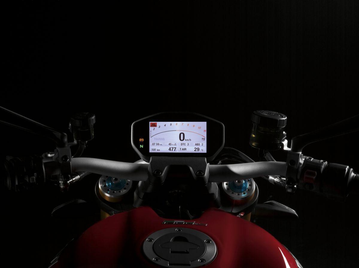 http://www.motorrad-bilder.at/slideshows/291/010777/ducati_monster1200s_details_13.jpg
