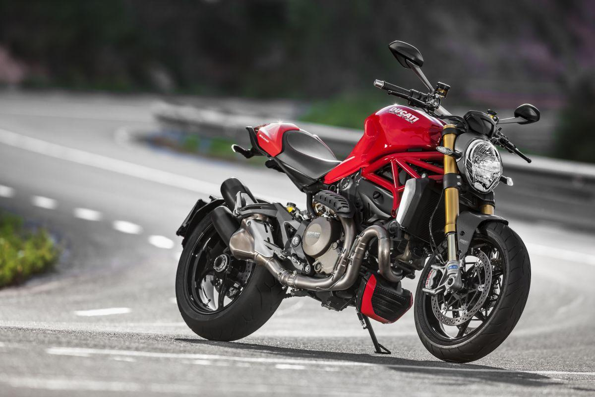 http://www.motorrad-bilder.at/slideshows/291/010777/ducati_monster1200s_details_16.jpg