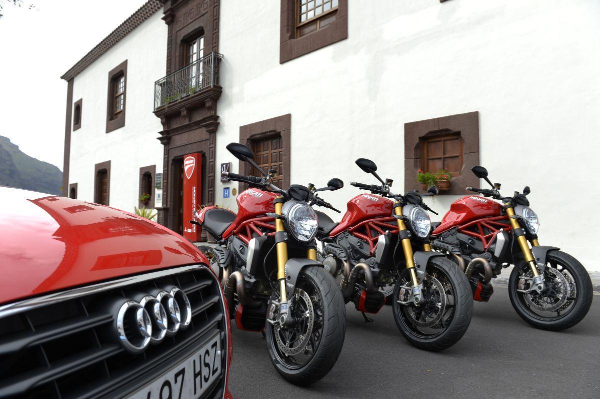 http://www.motorrad-bilder.at/slideshows/291/010777/ducati_monster1200s_details_39.jpg