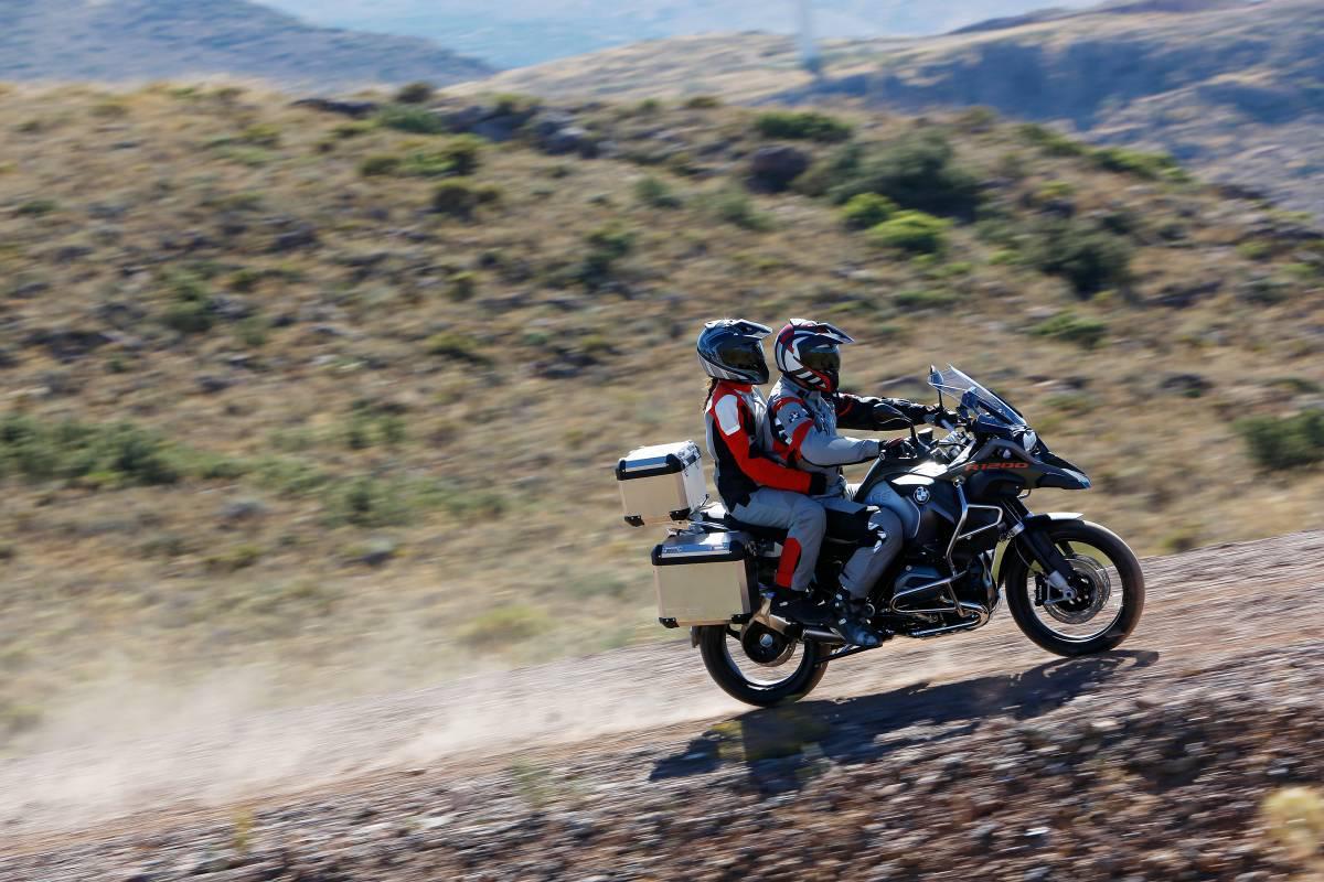 http://www.motorrad-bilder.at/slideshows/291/010829/bmw-r1200gs-adventure-2014-24.jpg