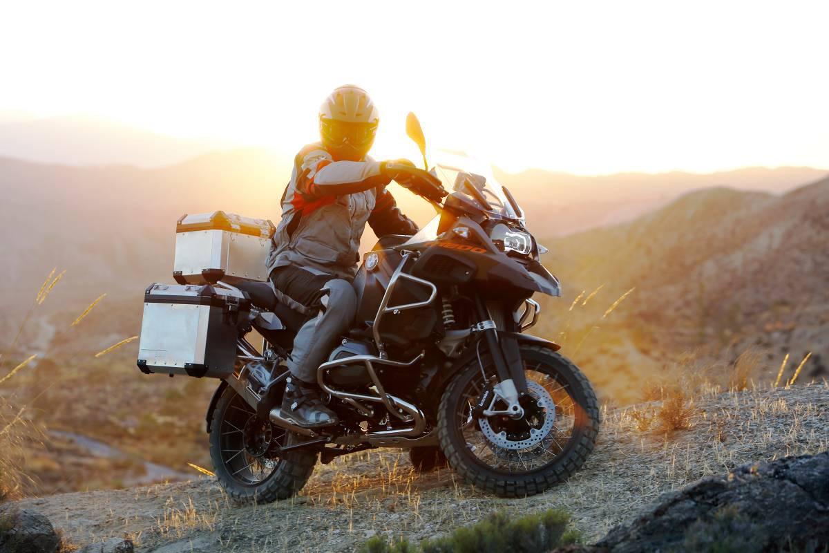 http://www.motorrad-bilder.at/slideshows/291/010829/bmw-r1200gs-adventure-2014-29.jpg