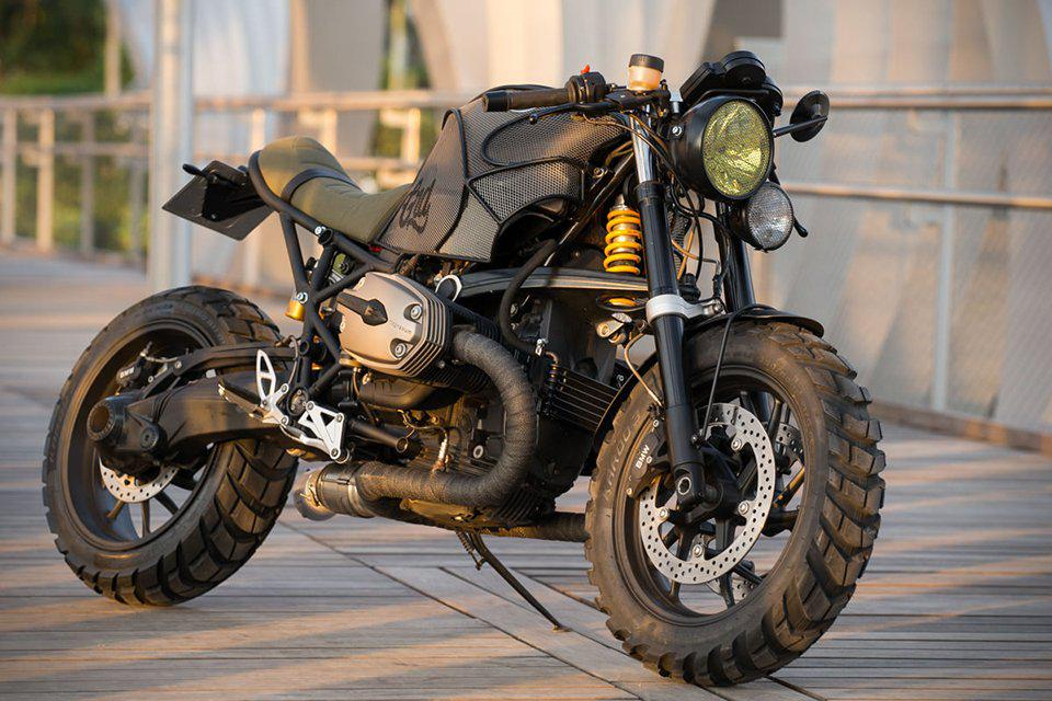 bmw r1200s animal by cafe racer dreams. Black Bedroom Furniture Sets. Home Design Ideas