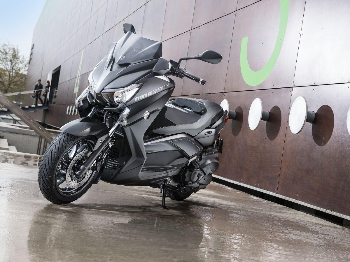 Yamaha X Max Momo Design