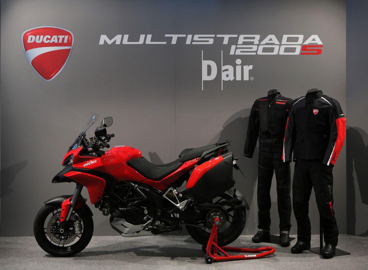 http://www.motorrad-bilder.at/slideshows/291/010958/ducati_d-air_11.jpg
