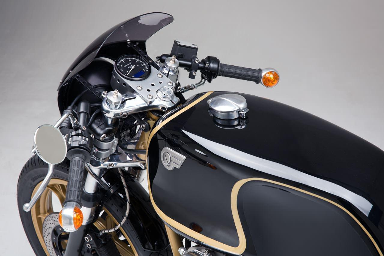 http://www.motorrad-bilder.at/slideshows/291/010968/Moto-Guzzi-Le-Mans-Motorcycle.-4.jpg