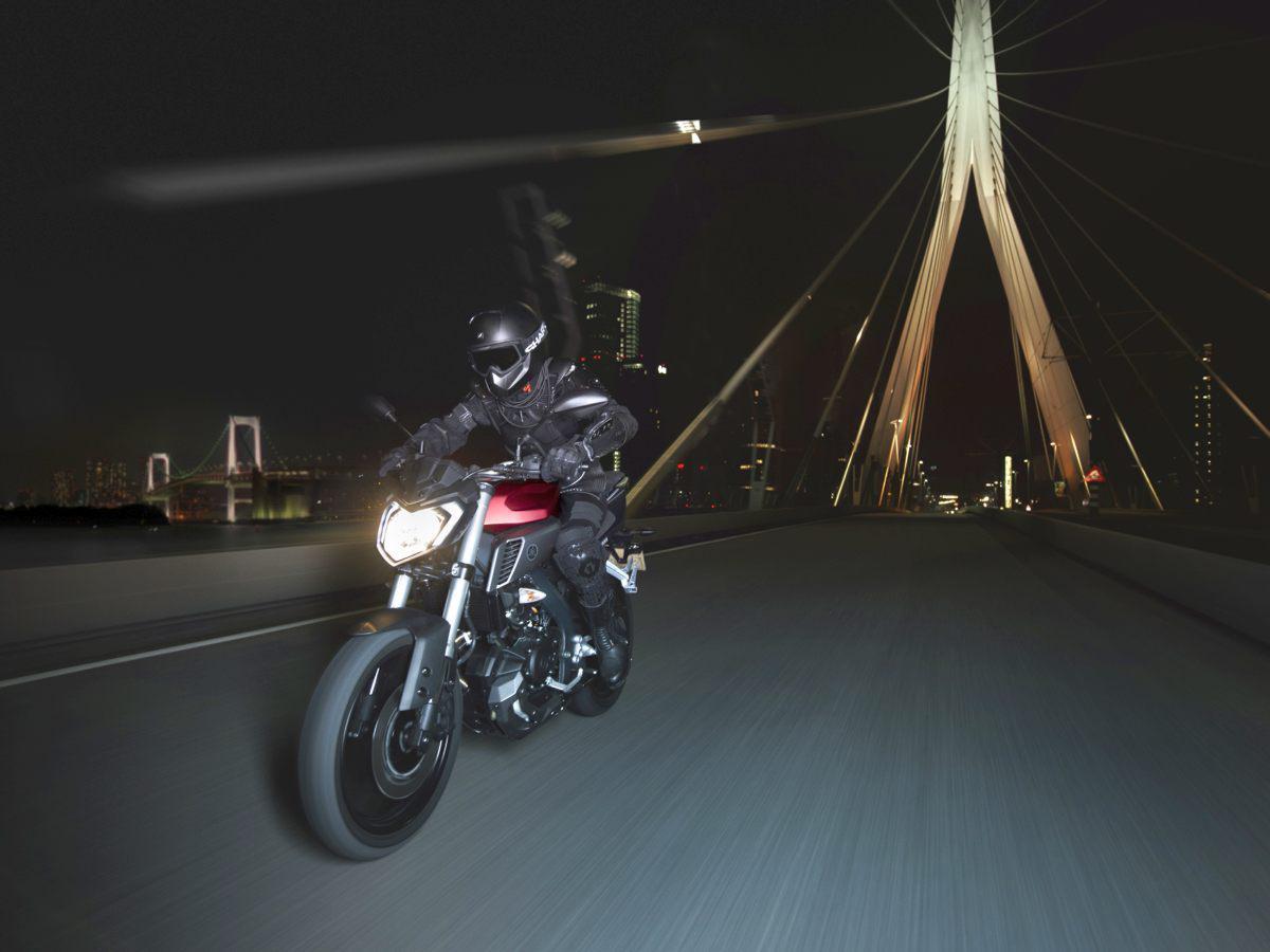 http://www.motorrad-bilder.at/slideshows/291/011020/yamaha-mt125-2014-18.jpg