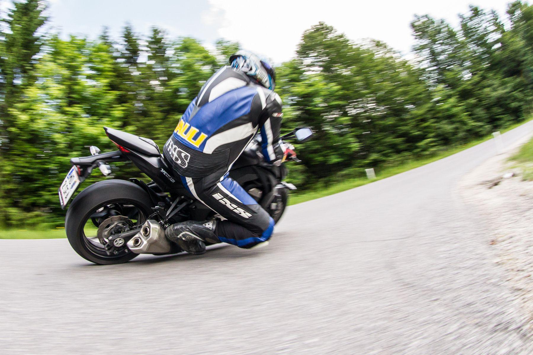 Kawasaki Z1000 Test