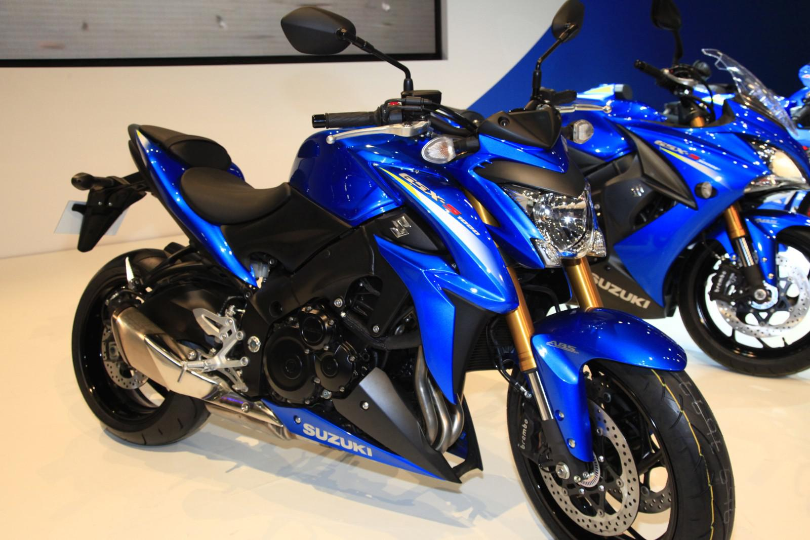 suzuki gsx s1000 2015. Black Bedroom Furniture Sets. Home Design Ideas