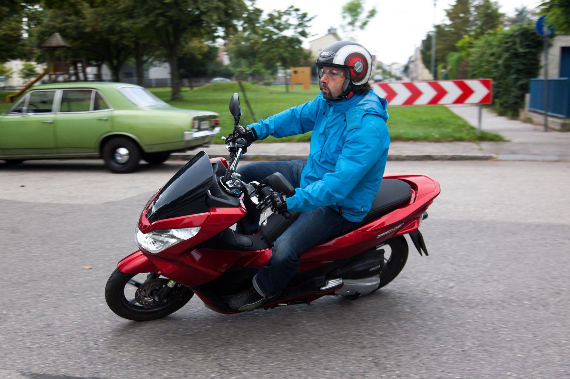 Honda PCX 125 2014 Test Foto