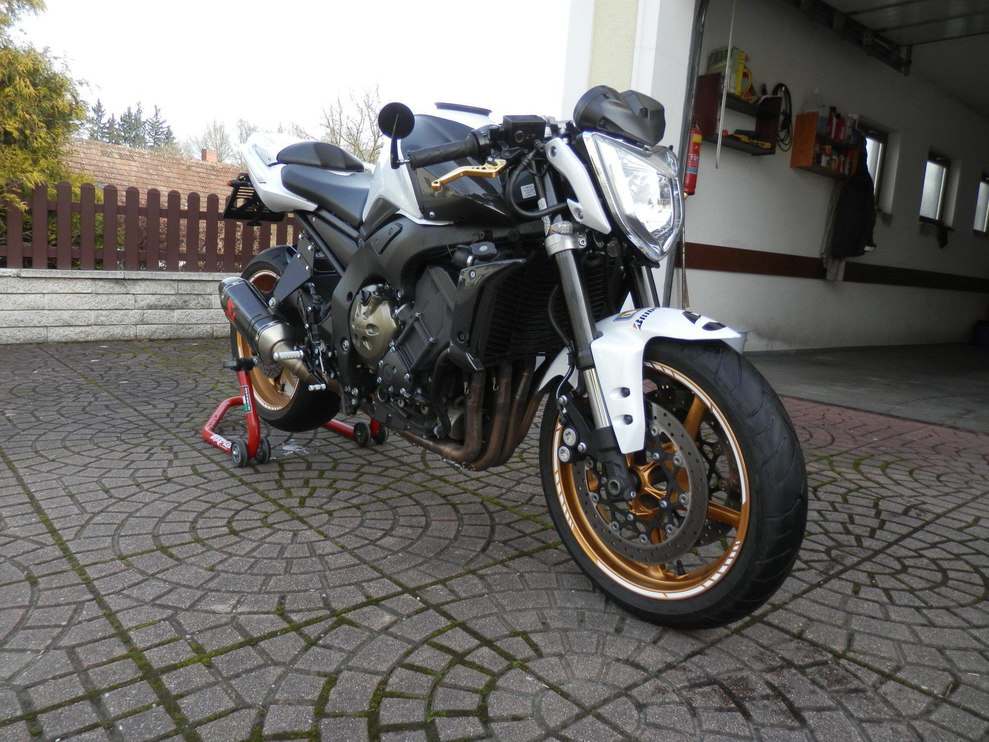 Yamaha fz1 user umbau motorrad fotos motorrad bilder for Spiegel unten motorrad