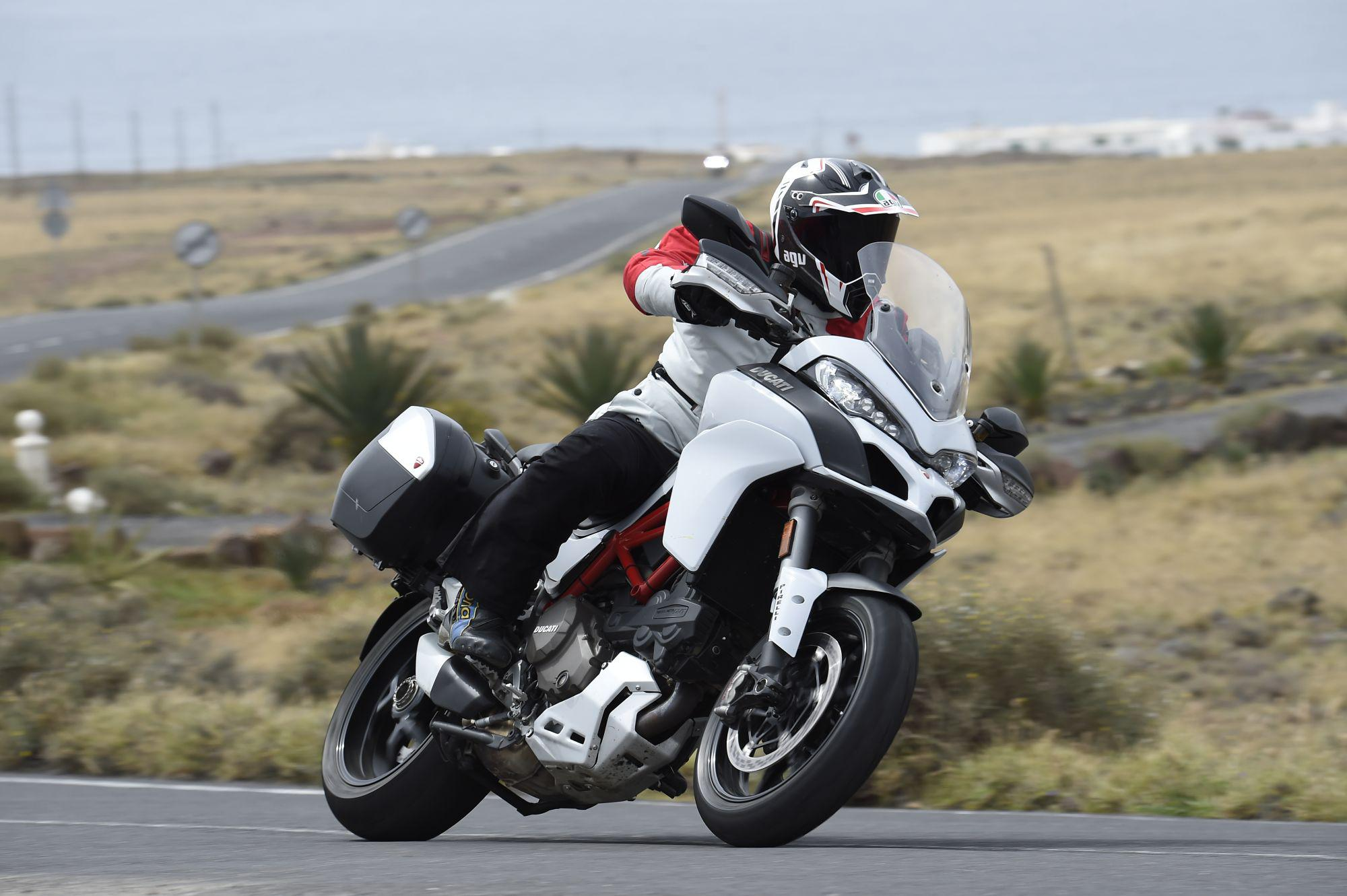 ducati multistrada 1200 s test 2015. Black Bedroom Furniture Sets. Home Design Ideas