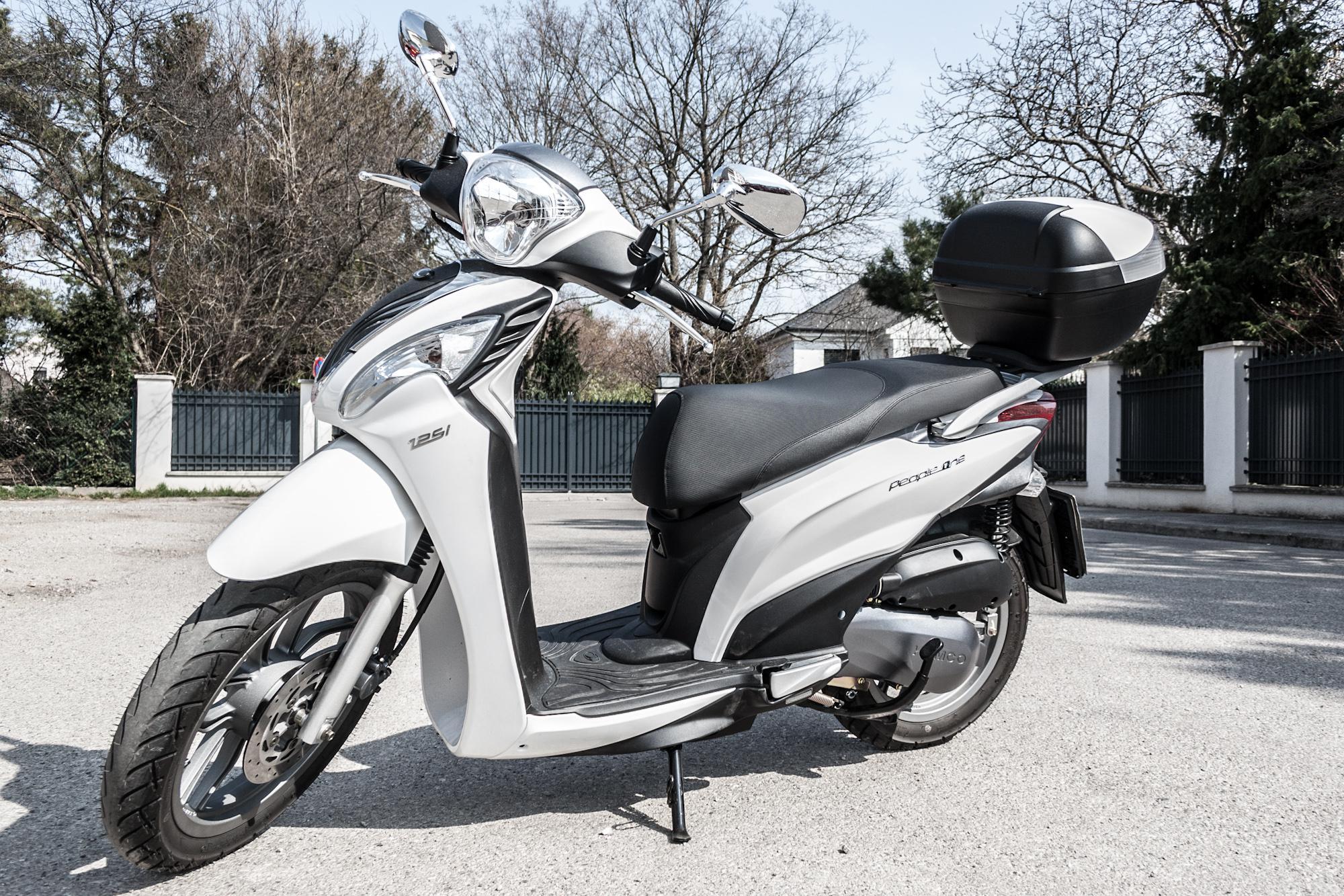 kymco people one 125 test 2015 motorrad fotos motorrad. Black Bedroom Furniture Sets. Home Design Ideas