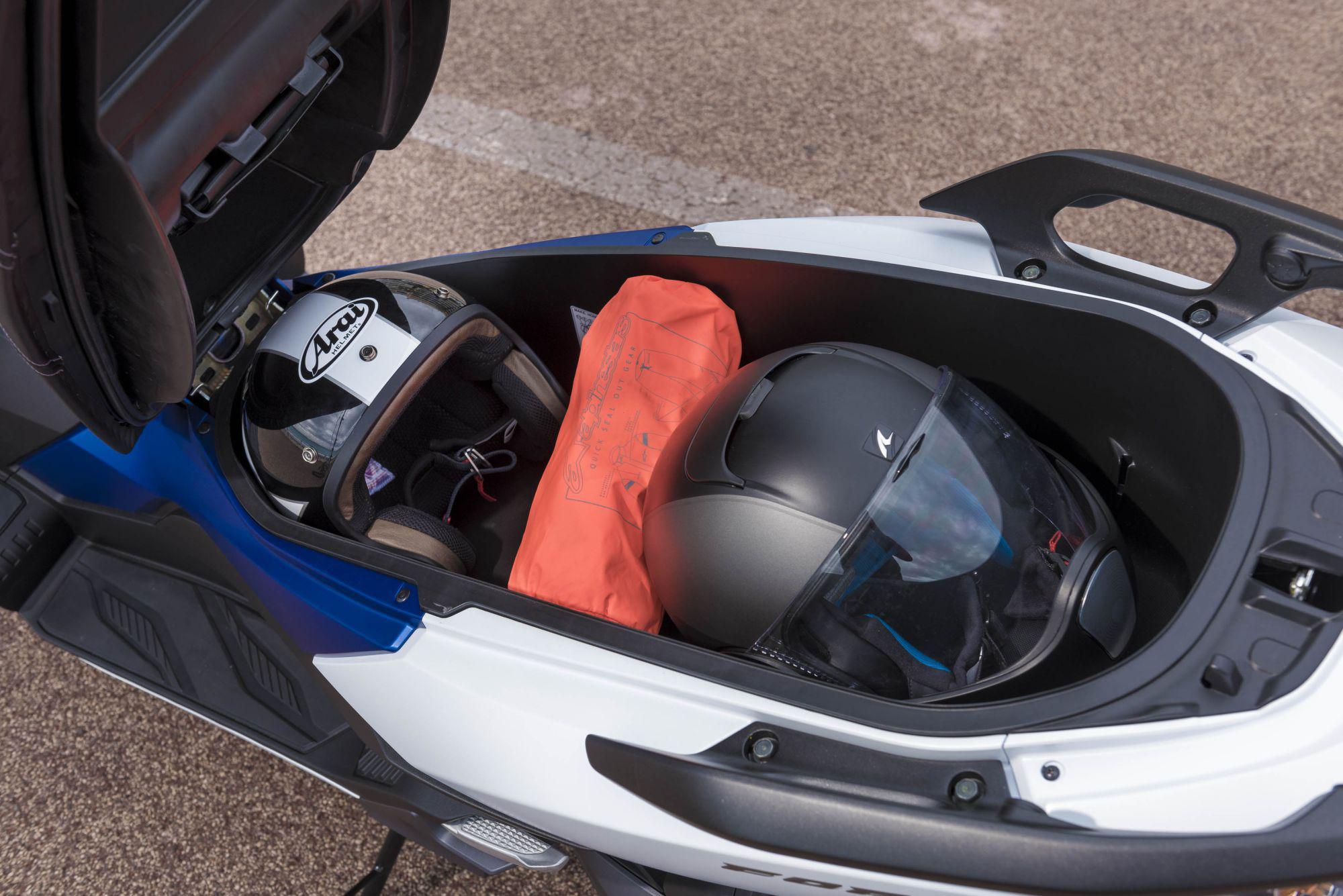 Suzuki Burgman Plastic