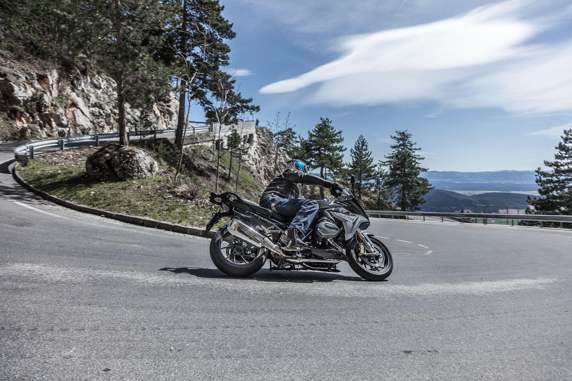 bmw r 1200 rs 2015 test action details motorrad fotos motorrad b. Black Bedroom Furniture Sets. Home Design Ideas