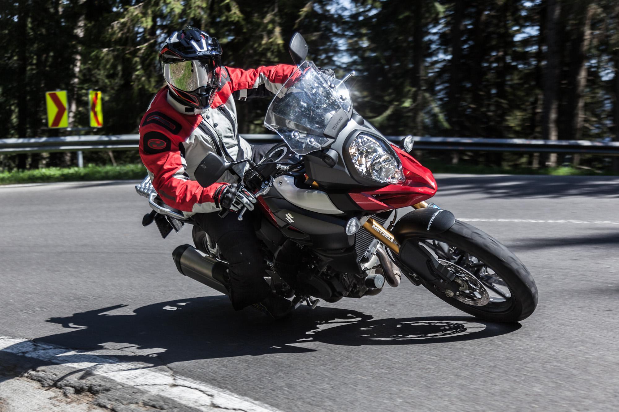 Suzuki V-Strom 1000   Action & Details Foto