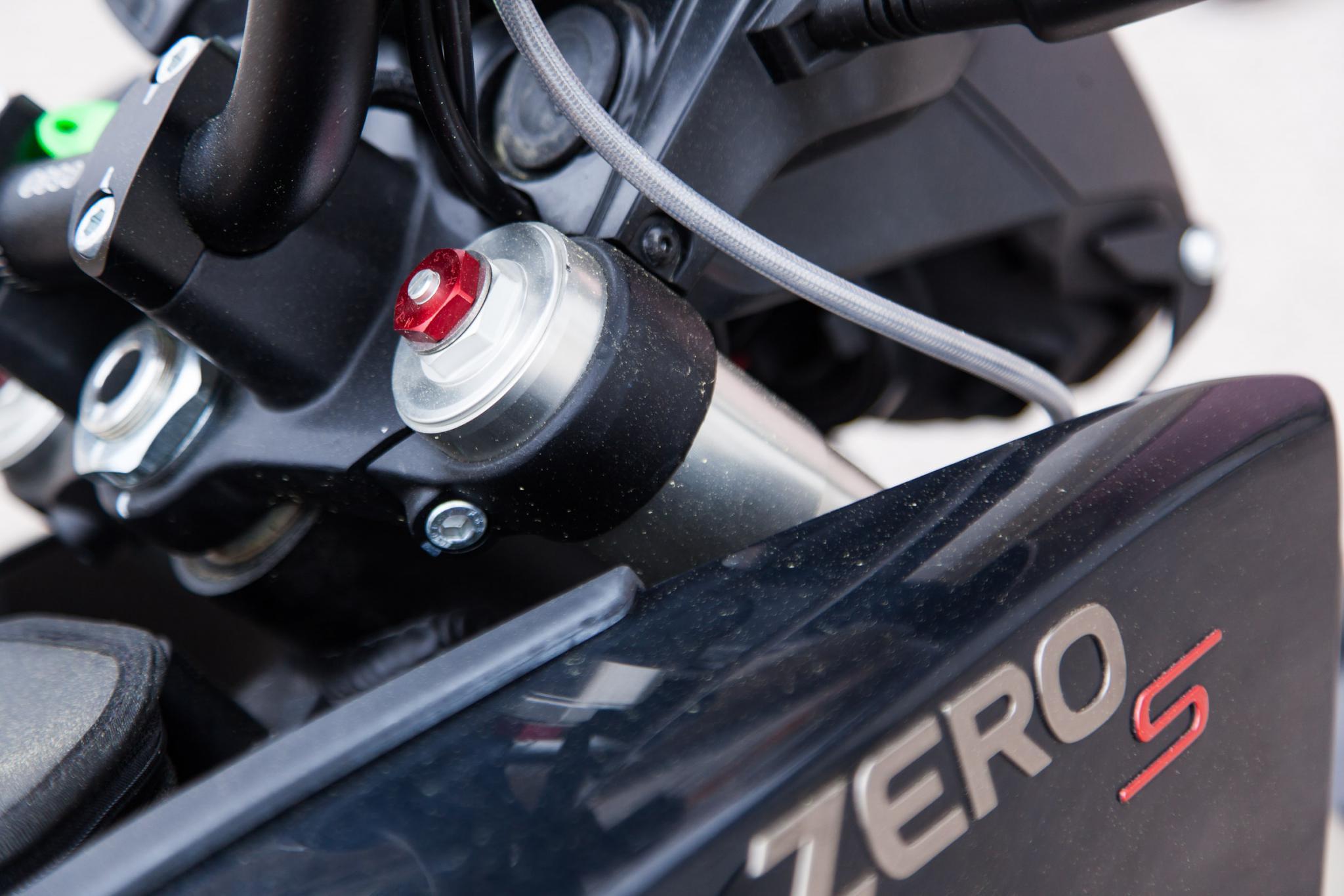 zero s elektromotorrad test motorrad fotos motorrad bilder. Black Bedroom Furniture Sets. Home Design Ideas