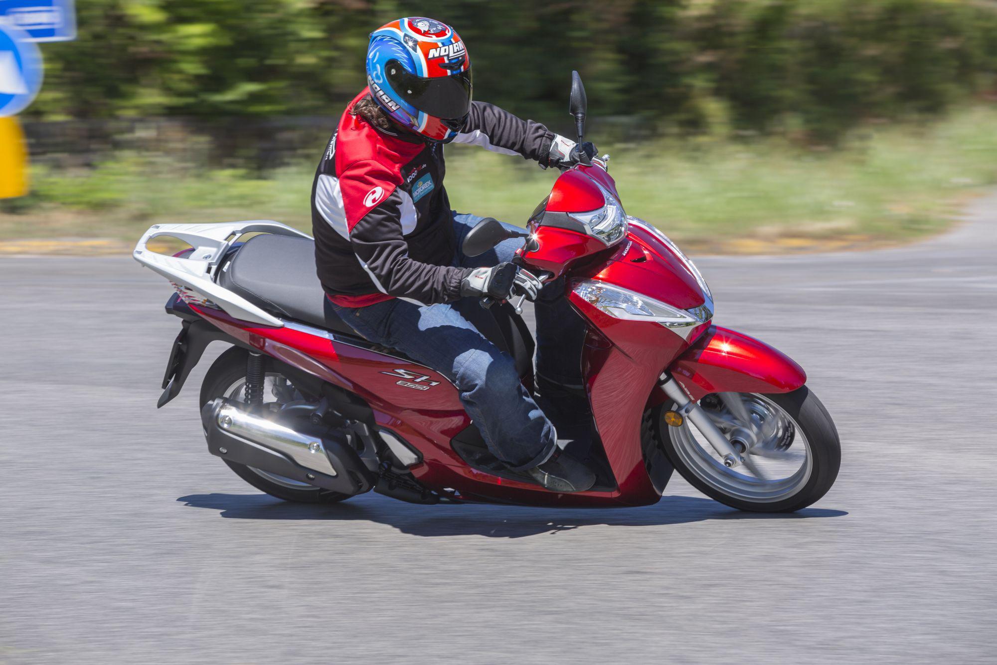 Honda SH300i 2015 Test Foto