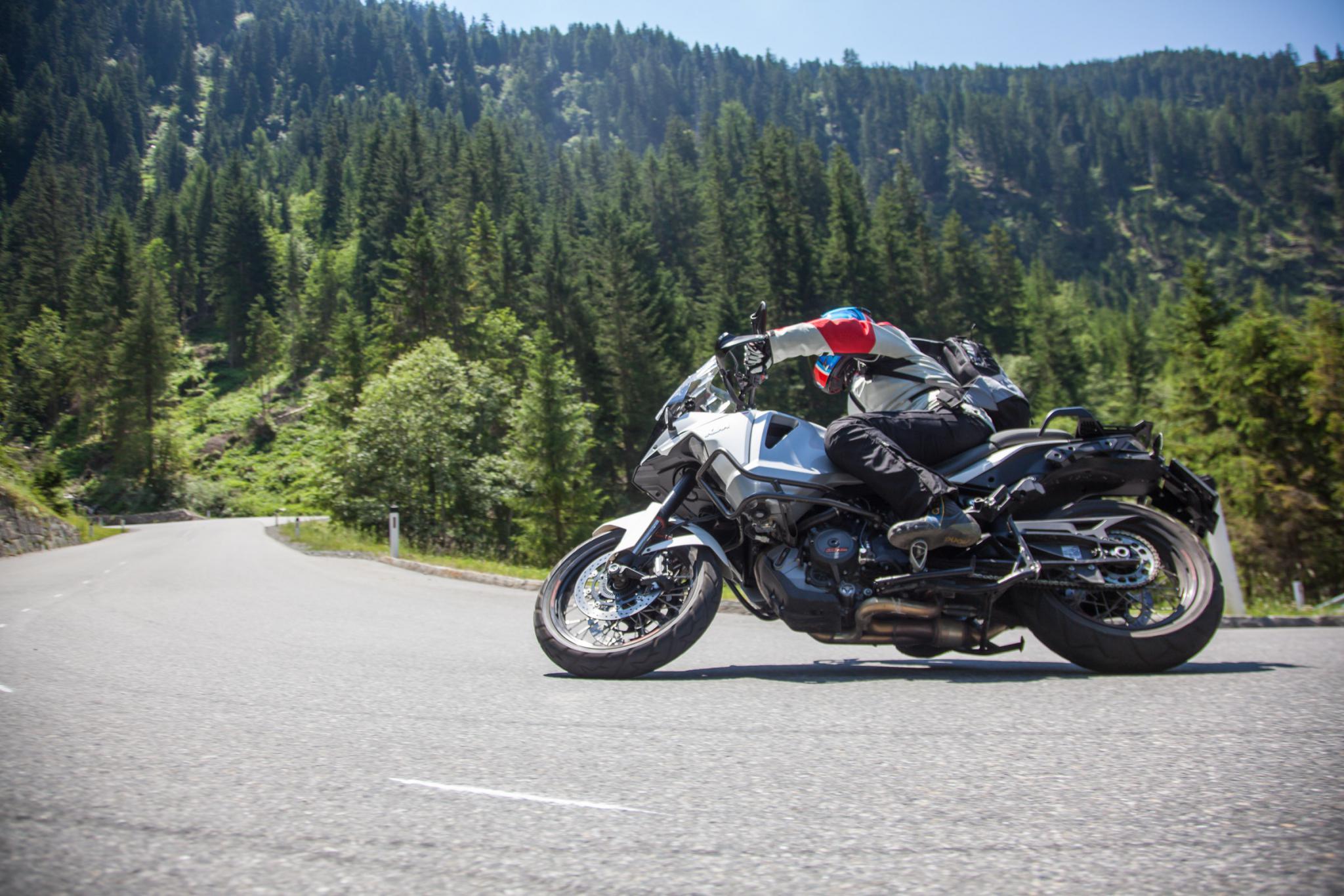 Reiseenduro Test in den Alpen 2015 Foto