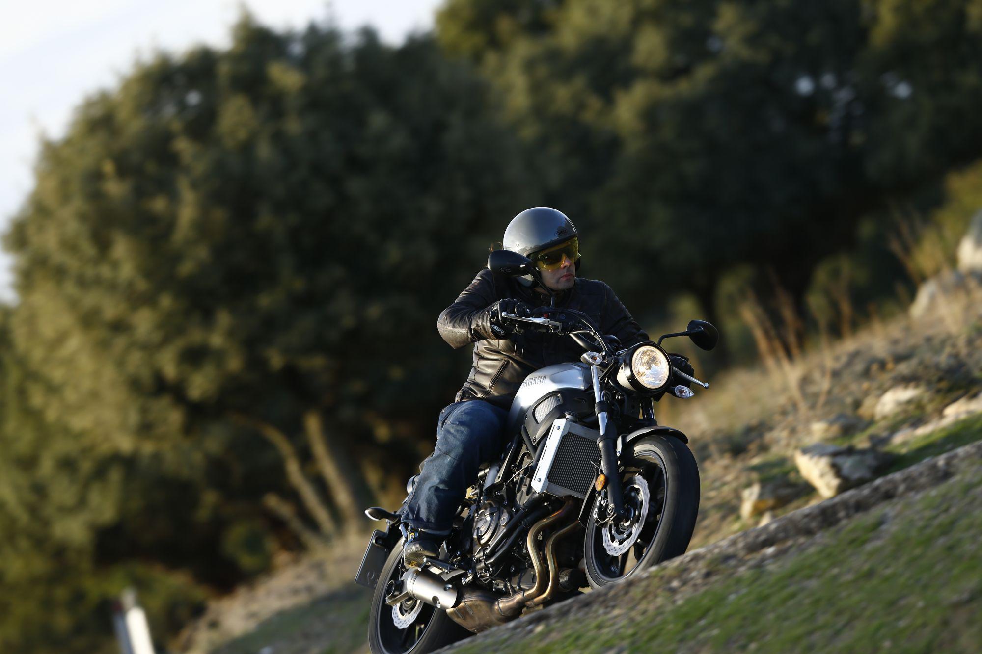 Yamaha XSR700 2016 Test Foto