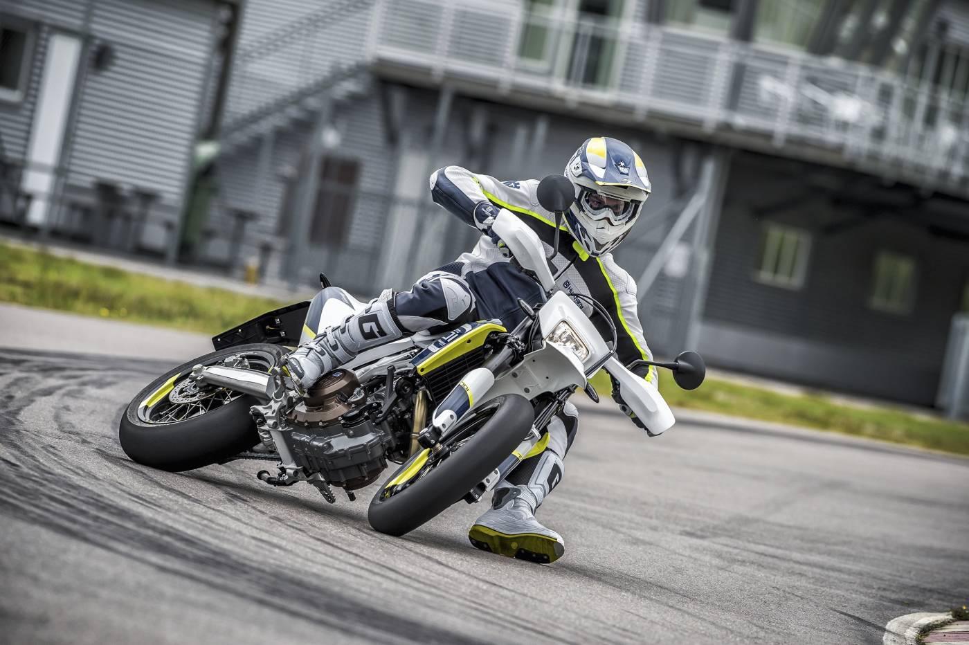 Yamaha Fz Wheelie