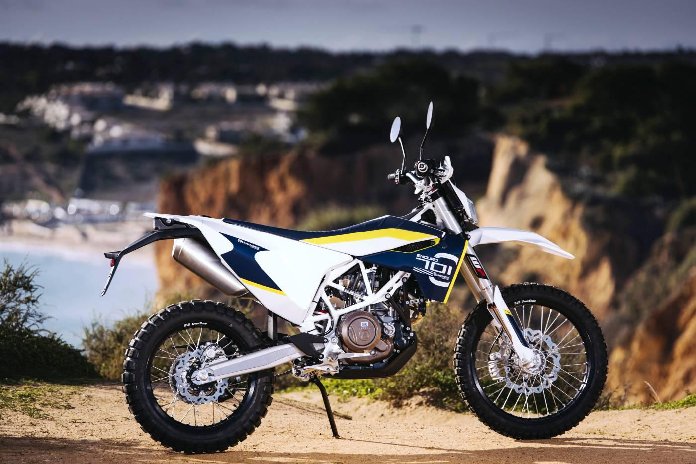 husqvarna 701 enduro test action details zubeh r motorrad fotos motorrad bilder. Black Bedroom Furniture Sets. Home Design Ideas