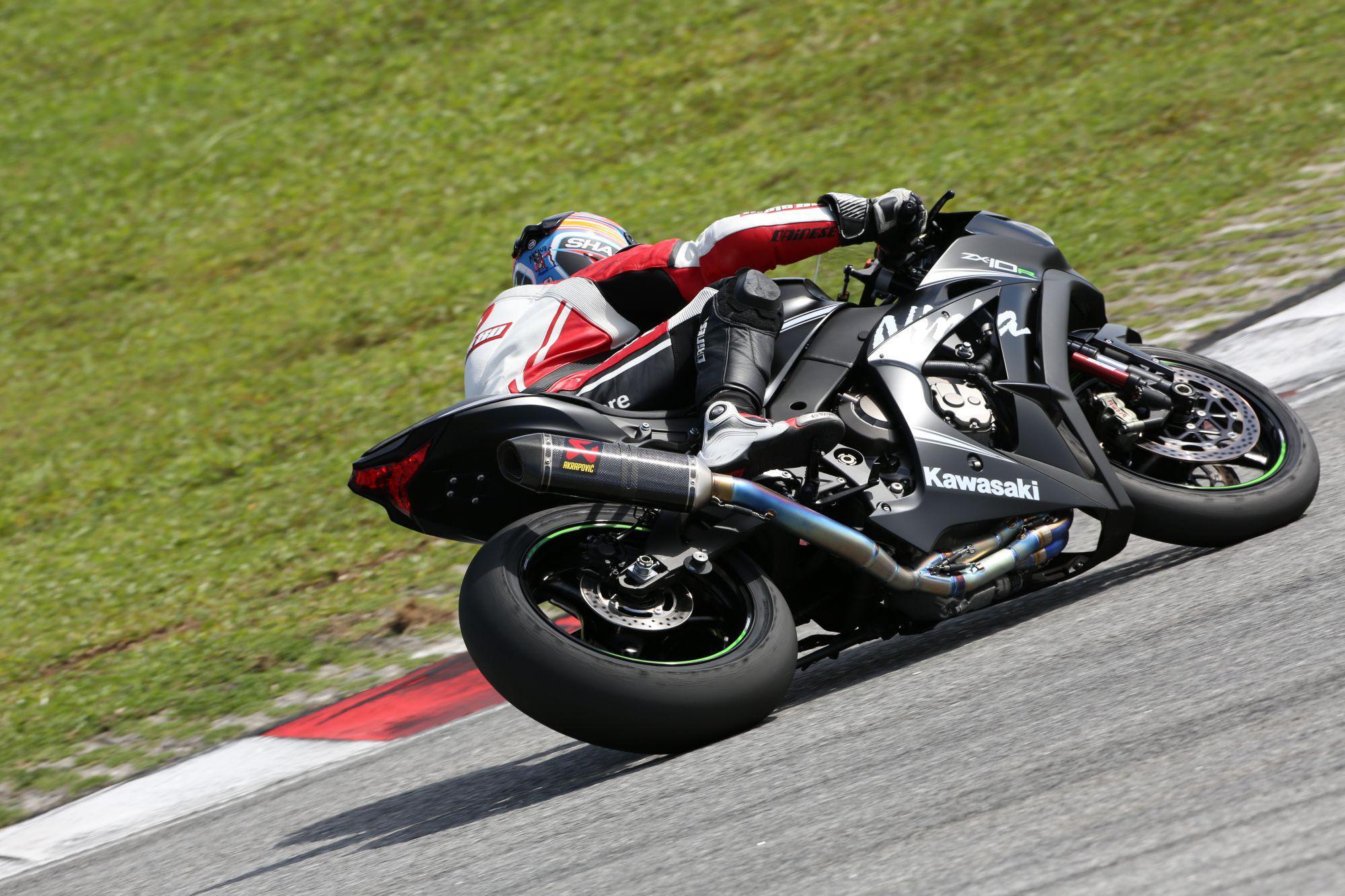 ZX10-R 2016 - Page 3 Kawasaki-zx10r2016-test-46