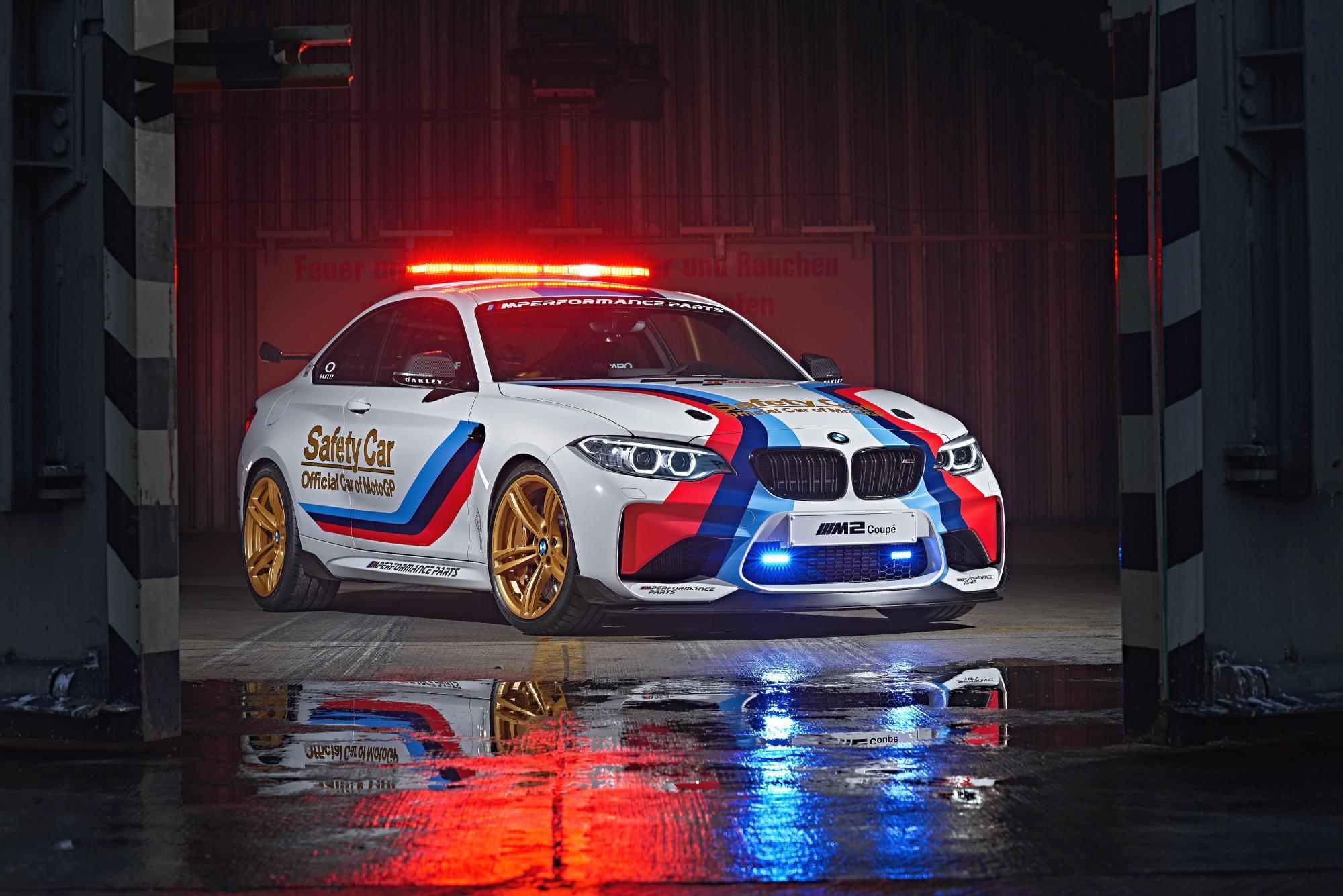 Safest Car Color: BMW M2 MotoGP SAFETY CAR 2016