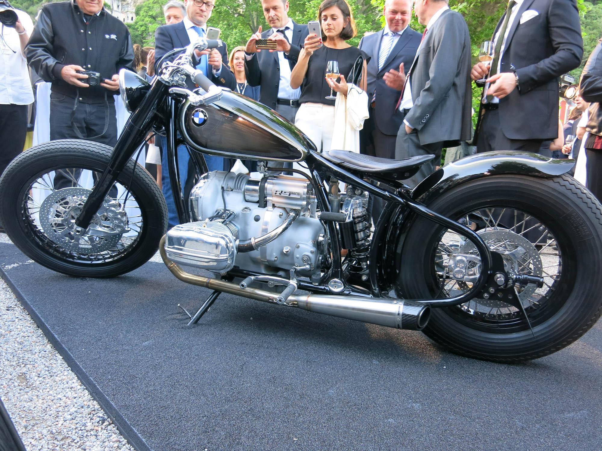 bmw r 5 hommage bobber conceptbike motorrad fotos motorrad bilder. Black Bedroom Furniture Sets. Home Design Ideas