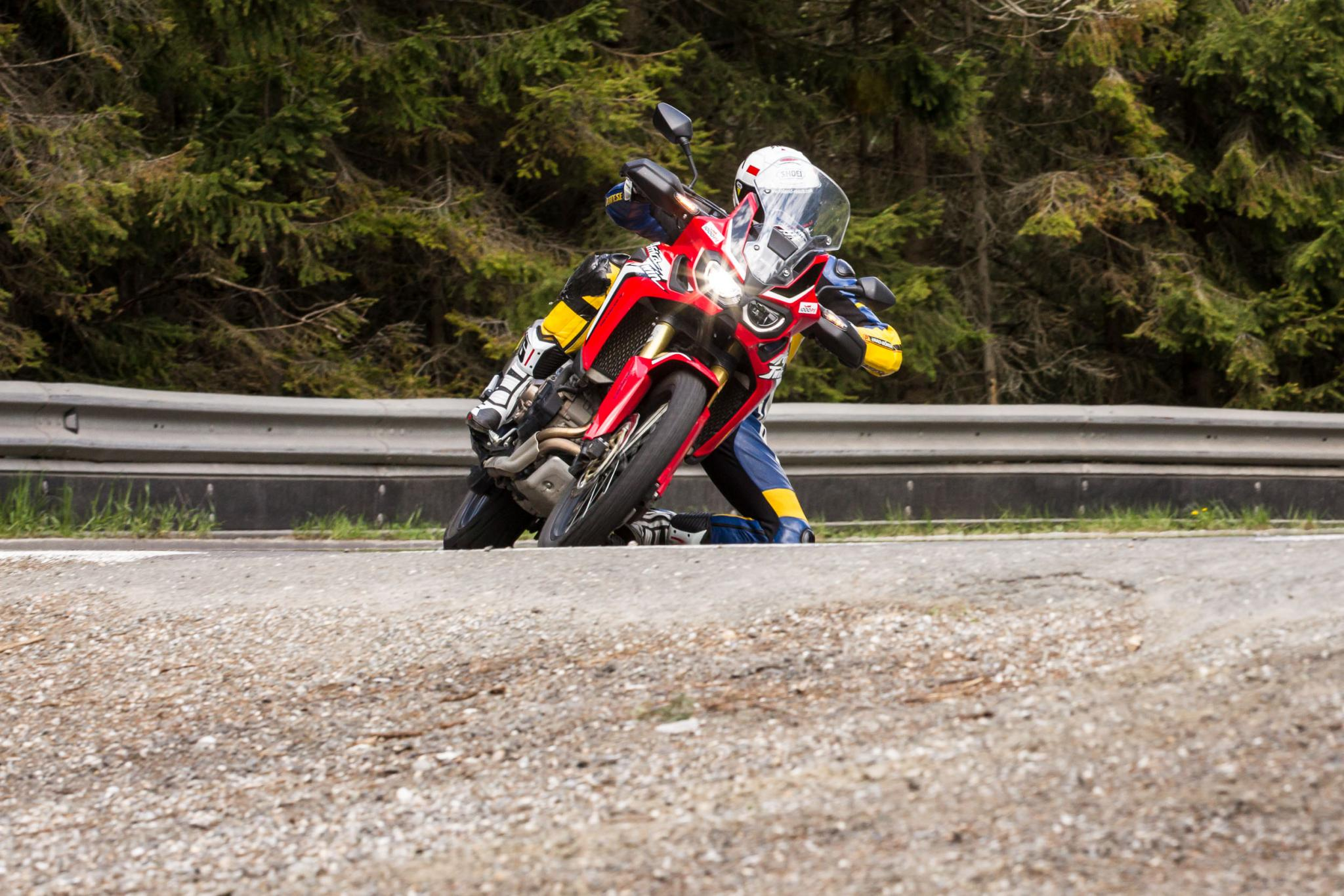Motorrad-Quartett: Honda Africa Twin Foto