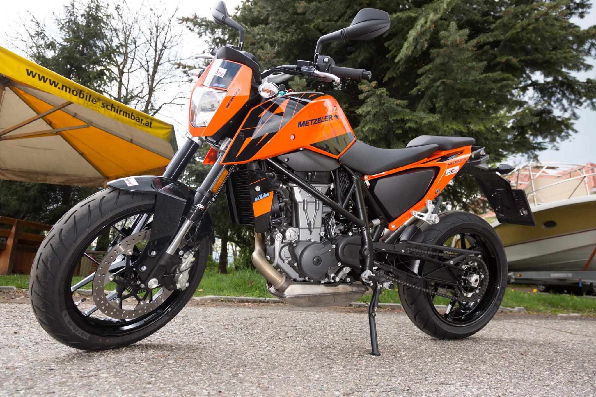 Motorrad-Quartett: KTM 690 Duke Foto